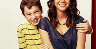 Peyton List From Disneys Jessie Kisses Jj Totah At Premiere